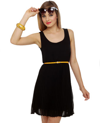 10 Little Black Dresses For Juniors - Shinedresses.com