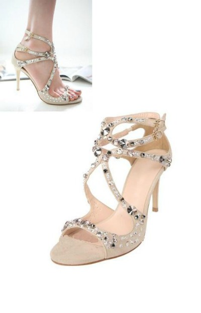 Ultra-feminine sandals for a guest on top! - Chouchourouge