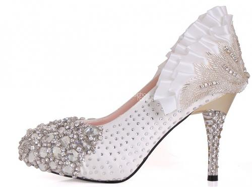 White shoes with small crystals embedded - Chouchourouge