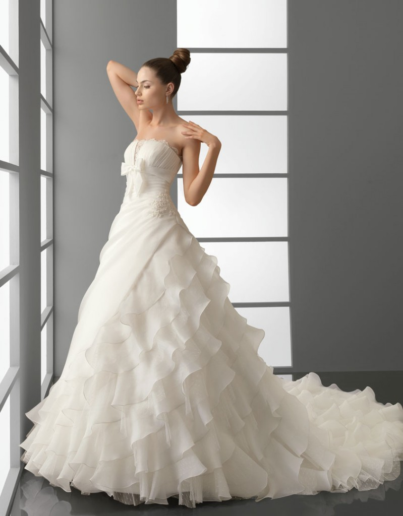 Romantic Wedding Dress Trends 2012