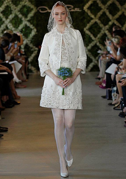 Short wedding dress, Oscar de la Renta in 2013. Photo: Dan Lecca