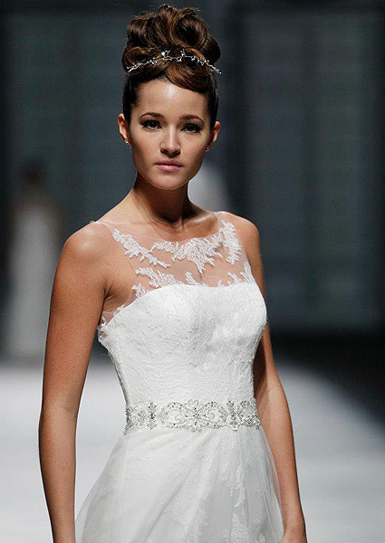 Wedding dress with neckline lace La Sposa 2013