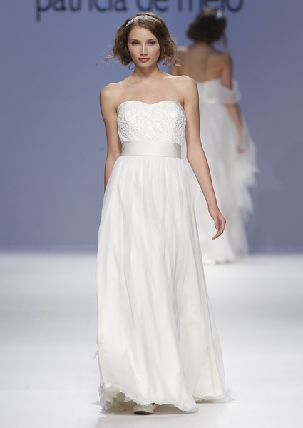 Wedding dress with white belt, Joana Montez and Patricia de Melo 2013