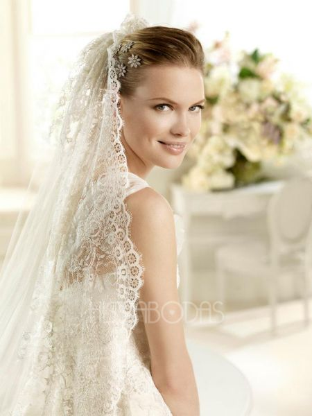 La Sposa 2013: wedding dresses