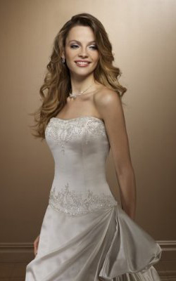 Wedding Hairstyles For Strapless Wedding Dresses - Shinedresses.com