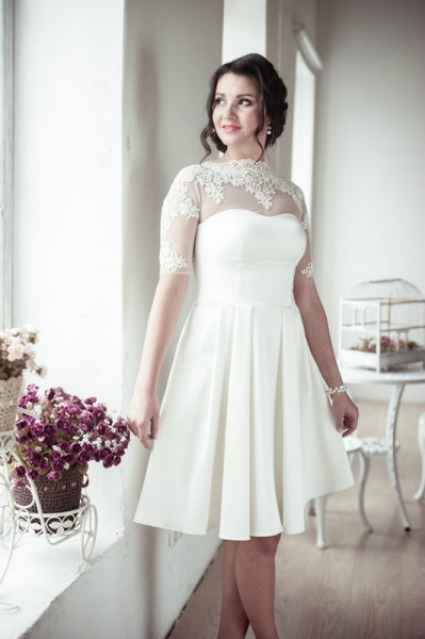 Romantic wedding dress on Etsy - Source: ApilatCreativeAtelie