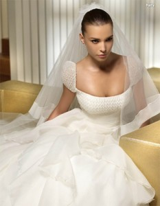 2013 Bridal Gowns: types of manga