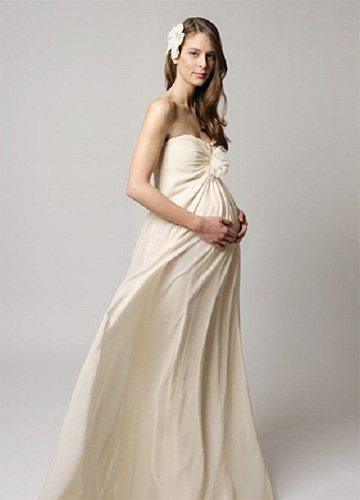 dress for Pregnant bride