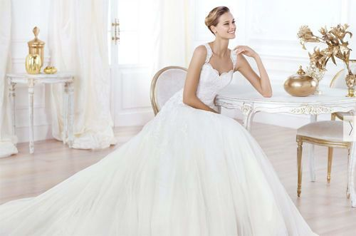 Pronovias: a safe bet for wedding dresses