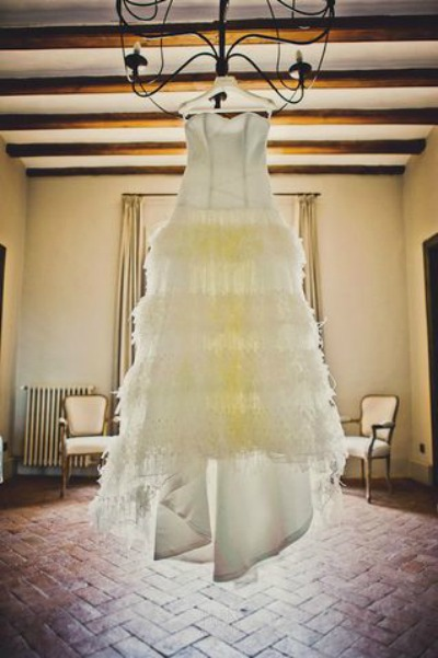 Not always easy to find the wedding dress of her dreams ... - Photo credit: Fran Russo