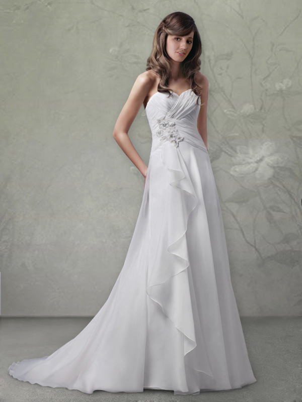 Walk down the aisle of vintage wedding dress